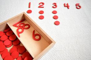 Acivité pour apprendre à compter de la pédagogie montessori