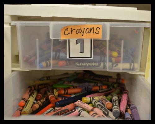 panier de rangement, rangement montessori, rangement par couleur, bac de couleur, rangement enfant, rangement par thème